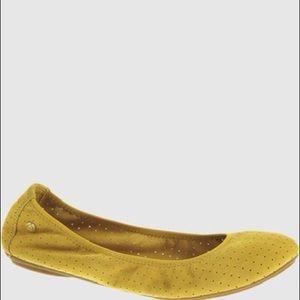 Hush Puppies- yellow ballet flats - size 6